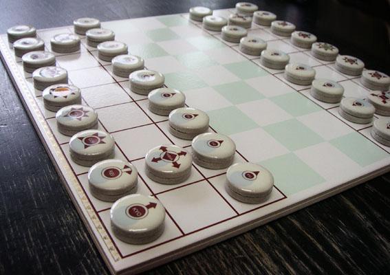 山本さんの将棋駒と盤