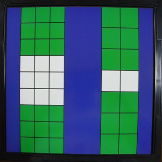 ナインゲームのボード左とツースリーのボード右